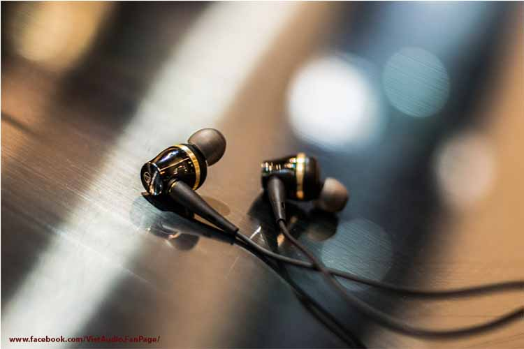 Audio Technica ATH CKR100iS, ATH ckr100iS, Audio Technica ath ckr100is, ath ckr100is