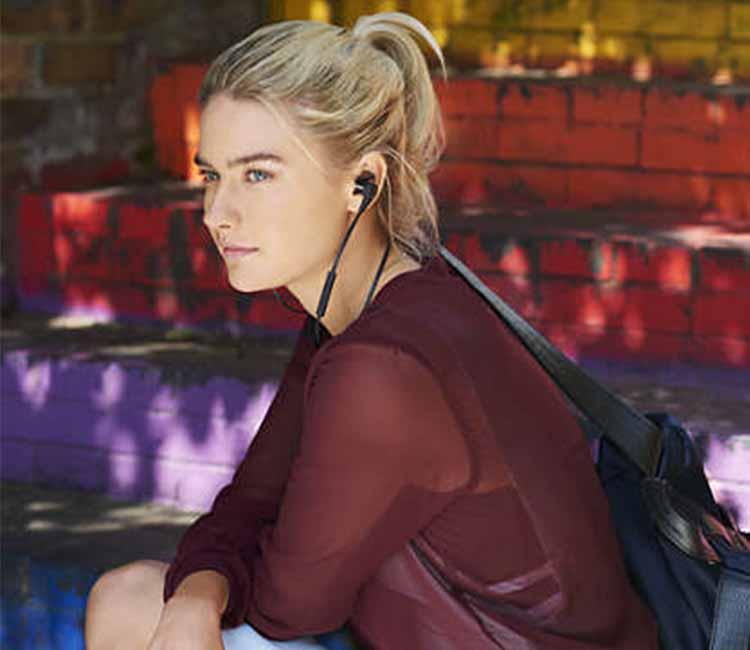 Philips SHB5800, philips shb5800, vietaudio, tai nghe, mua tai nghe, bán tai nghe, tai nghe chính hãng, tai nghe giá tốt, tai nghe không dây, tai nghe bluetooth, tai nghe cao cấp