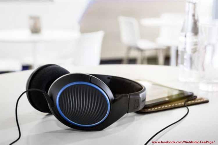 Sennheiser HD221, sennheiser hd221, vietaudio, tai nghe Sennheiser HD221, tai nghe, mua tai nghe, bán tai nghe, tai nghe chính hãng, tai nghe giá tốt, tai nghe không dây, tai nghe bluetooth, tai nghe cao cấp